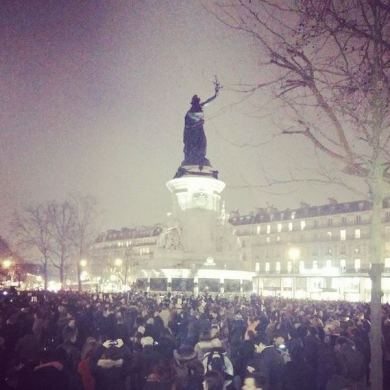 JeSuisCharlie Paris image gathering Republique Wearecharlie(21)